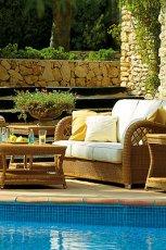 Nowoczesny ratanowy wypoczynek ogrodowy w kolorze ecru  -inspiracje ogrodowe 2013