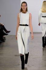 prosta sukienka Calvin Klein w kolorze bia�ym - zima 2013/14