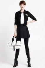 czarna sp�dniczka Karl Lagerfled - trendy na jesie� 2013