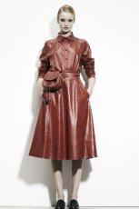 bordowa sukienka Bottega Veneta sk�rzana - trendy na jesie� 2013