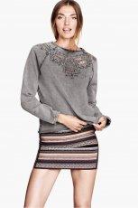 popielaty sweter H&M - jesienne trendy 2013