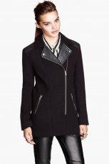 kr�tki p�aszczyk H&M w kolorze czarnym - moda na zim� 2013/14