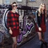 czerwona bluzka Stradivarius w kratk� - trendy 2013