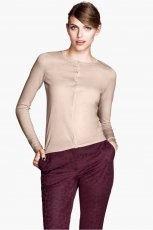sweter H&M w kolorze nude - zimowa moda