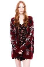 rozpinany sweter Pull and Bear w kratk� w kolorze bordowym - moda na jesie� 2013