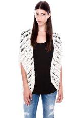 bia�y sweter Pull and Bear - jesienna moda