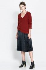modny sweter ZARA w kolorze bordowym - moda na jesie� 2013