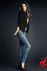 niebieskie d�insy H&M rurki - moda 2013
