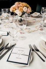 Dekoracje �lubnych sto��w