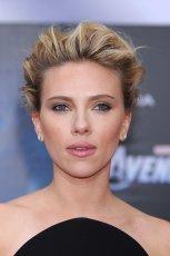 Pomys� na �lubn� fryzur� - Scarlett Johansson