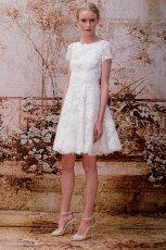 Sukienka �lubna z grubej koronki