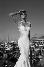 suknia �lubna Galia Lahav z ods�oni�tymi plecami