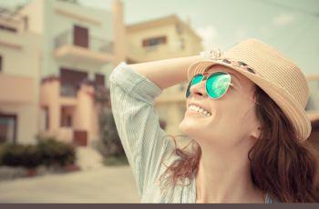 Dlaczego warto nosi� okulary przeciws�oneczne?