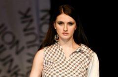 Junk Fashion Show 2010 – moda na papier