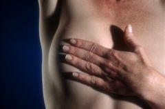 Guzki  piersi w m�odym wieku