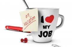 Jak przetrwa� wakacje w pracy?
