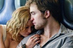 """Robert Pattinson i Emilie De Ravin w romansie """"Tw�j na zawsze"""""""