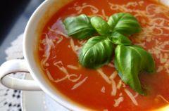 Zupa z pomidor�w i z serkiem mascarpone