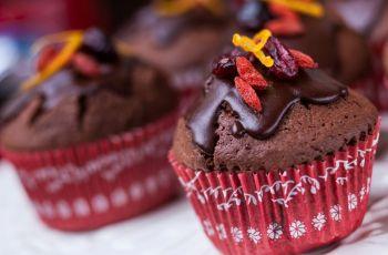 Czekoladowe muffiny z bakaliami