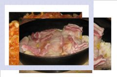 Go��bki z boczkiem i sosem cebulowym