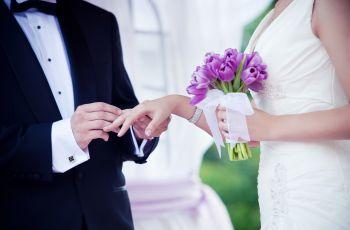 Weselne gad�ety - kieliszki weselne