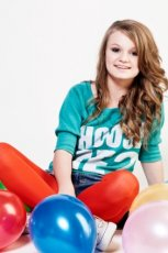 Julka B. - zjawiskowa nastolatka podbija polsk� scen� muzyczn�