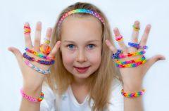 Gumki loom bands - za co dzieci je kochaj�?