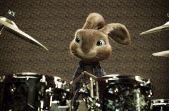 Hop (re�. Tim Hill)