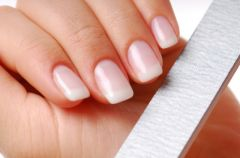 Jak samodzielnie wykona� manicure