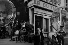 Bazaar zamkni�ty w ba�ce mydlanej