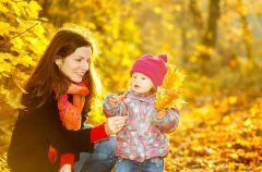Jesienny spacer z dzieckiem - o czym warto wiedzie�?
