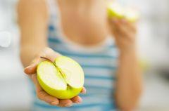 5 powod�w, dla kt�rych warto je�� jab�ka