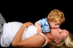 Karmienie piersi� w czasie ci��y