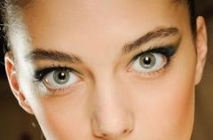 Podstawowe trendy w makija�u na jesie� 2012