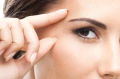 Jak piel�gnowa� oczy i sk�r� wok� nich?