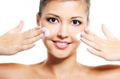 Jak diagnozowa� problemy sk�ry, kiedy zg�osi� si� do kosmetologa?