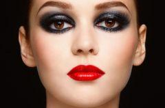 Jak wykona� makija� smoky eye?