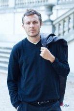 Marek Bukowski i plan serialu Przysta�
