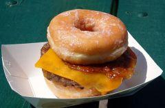 Donut Burger czyli ameryka�ski p�czkohamburger