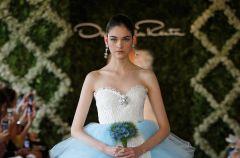 Oryginalne suknie �lubne - Oscar de la Renta 2013