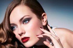 Pi�kna Monika Jac Jagaciak w kampanii Ellassay