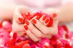 Lakiery do paznokci - piel�gnacja i wzmocnienie p�ytki