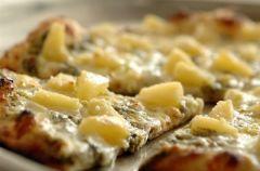 Minipizza z ananasem
