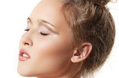 M�odzie�owa fryzura zako�czona upi�ciem