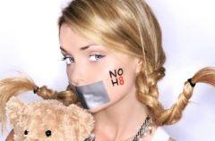 NOH8 - Iza Miko walczy o prawa homoseksualist�w