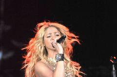 Shakira za�piewa w �odzi!