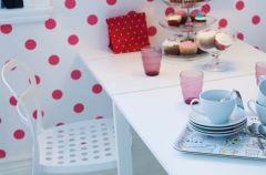 Sto�y i biurka Ikea na rok 2012
