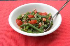 Fasaolka szparagowa w sosie pomidorowym