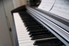 Wystr�j wn�trz a instrumenty muzyczne.