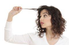Jakie czynniki prowokuj� przet�uszczanie si� w�os�w?